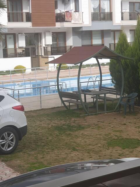 Havuzlu lüks ve iyi konumda özel oda