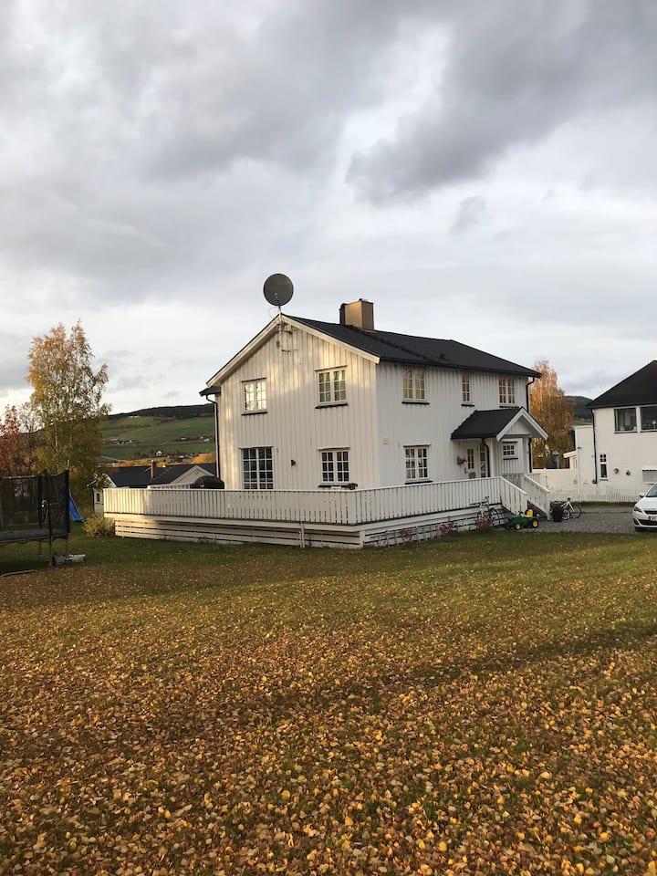 Stort hus sentralt på Tynset