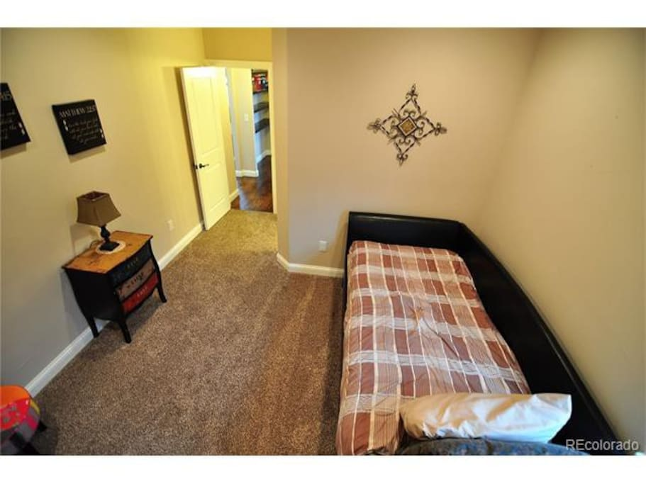 Guest Room 2 for Two Double Singles