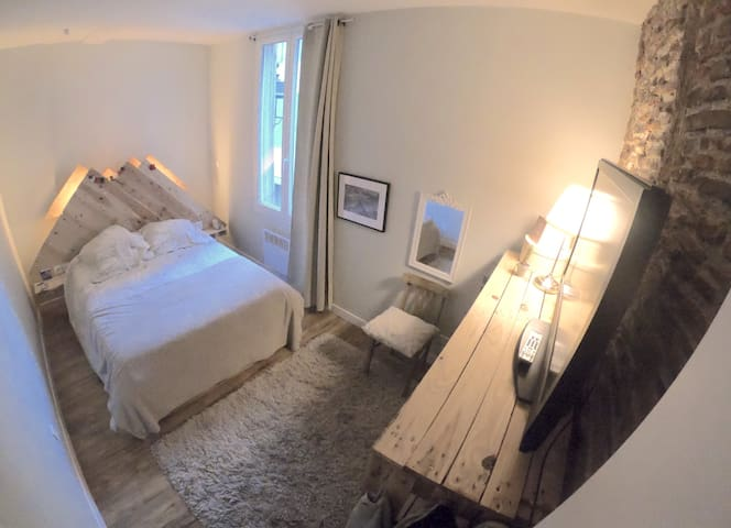 Chambre 100%PALETTE grand appartement centre ville