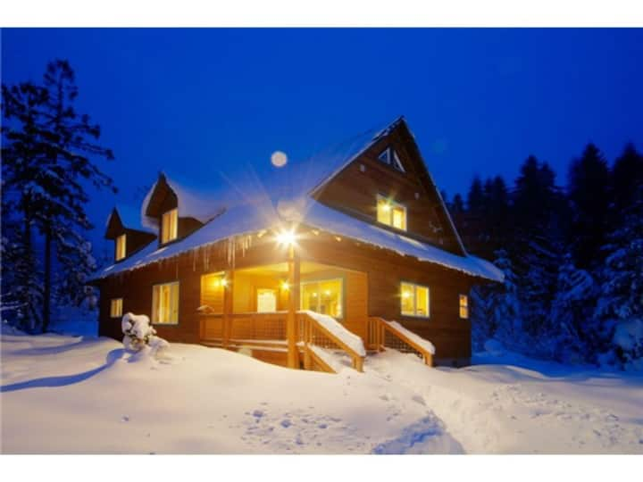 Stevens Pass Chalet - MBR & private use of house