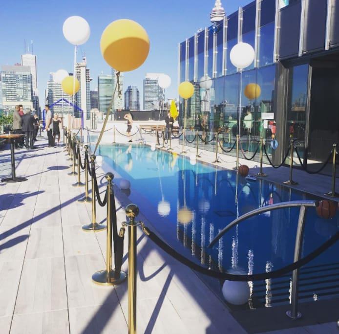 Rooftop Pool - Lavelle East Facing