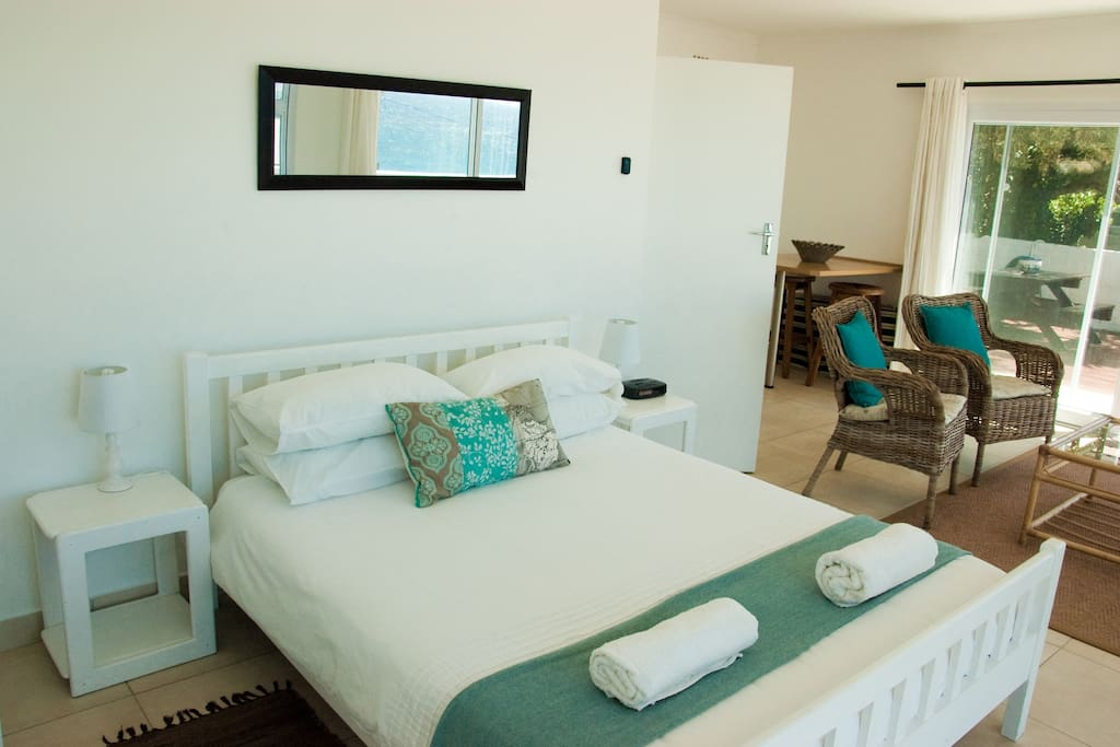 Bedroom with Queen Bed (large double) and towels