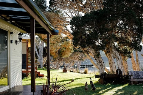Shack on the Bay - A Lovely Bayside Cabin