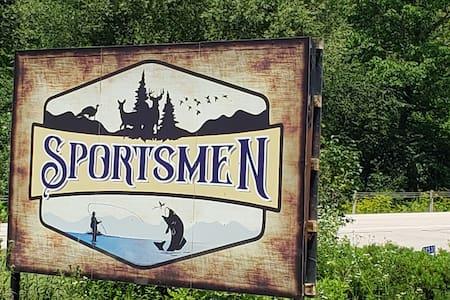 Sportsmen Motel Room 5