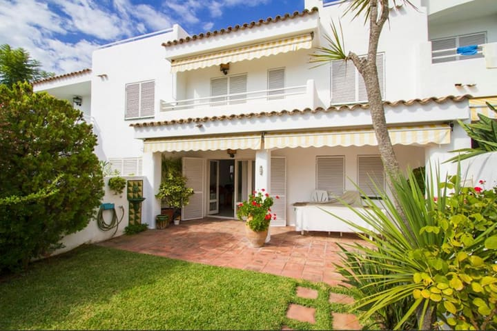 Mediterranean house with 4 bedrooms and 3 bathroom - Sant Pol de Mar - House