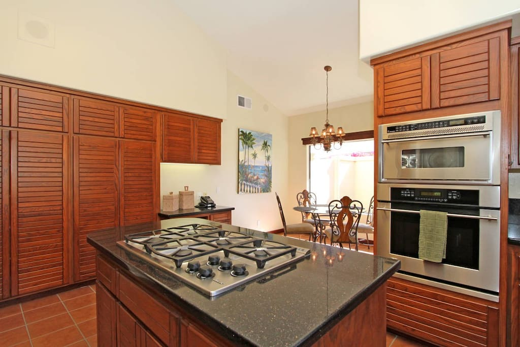 Kitchen w/gas stove, microwave, oven, breakfast nook. (or any other meal you want!)