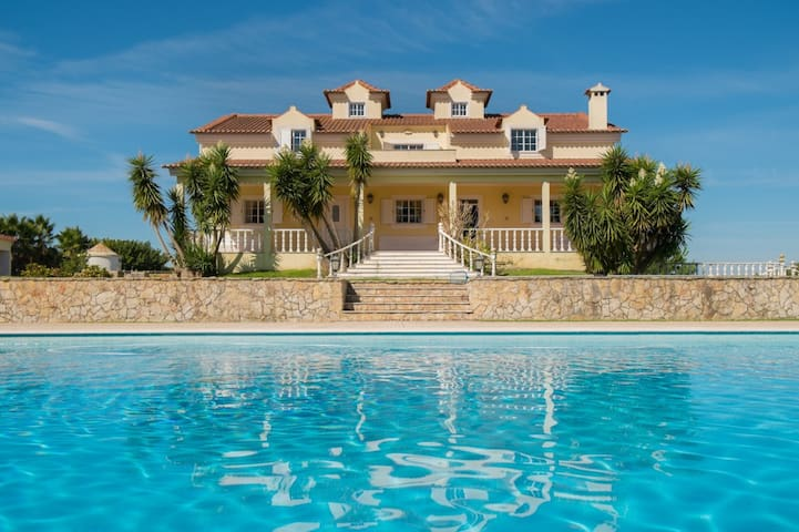 Gorgeous villa w/ swimming pool - Palmela