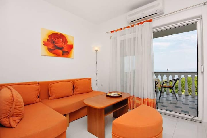 Two bedroom apartment with terrace and sea view Njivice, Krk (A-5295-a) - Njivice - Apartment