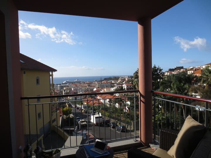 Living Funchal - Apt with pool