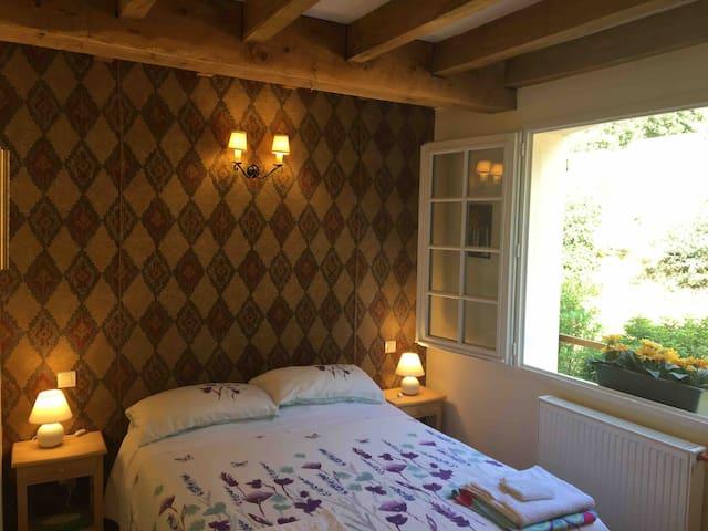 Bedroom 4 1st floor. Double bed. Tea/coffee facilities.