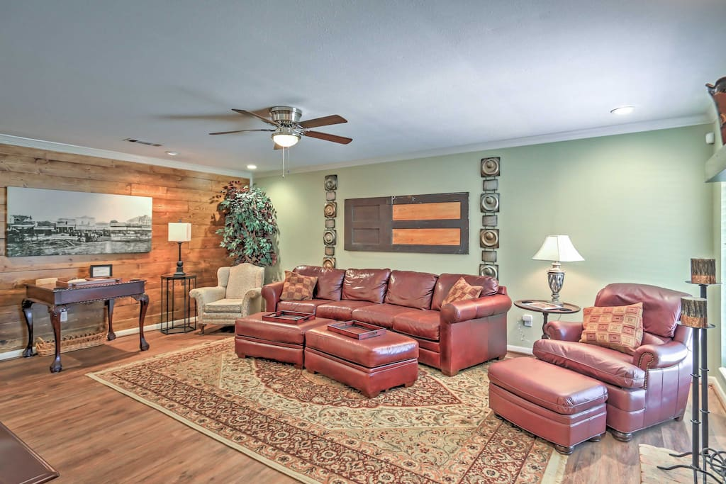The family room has comfortable seating for seven, including a nice game table