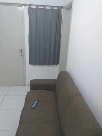 Quarto c/Wi-Fi, ar condicionado, 14 km de Ipanema.