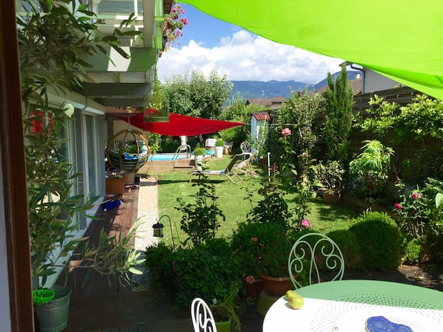 Open space  tout confort en solo + accès piscine - Thyez - House