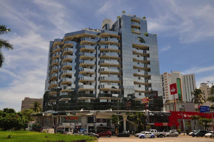 Modern Beach Condo with Pool (dep. #2) - Acapulco - Appartement