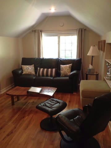Perfect location and price & includes breakfast! - Chicago,  - Leilighet