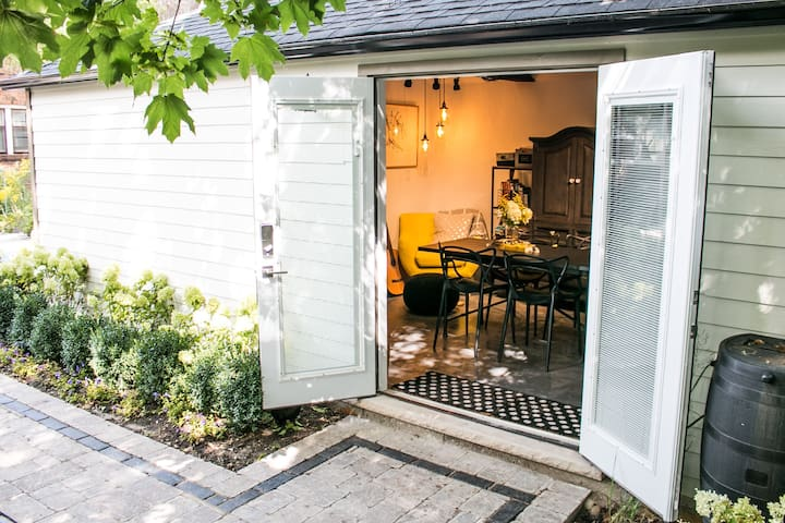 My detached writing studio/office space (featured on HGTV) is available to rent separately for travellers who need a quiet, inspiriting space to work or hold small meetings. Please contact me for details or visit https://thisopenspace.com/spaces/7126