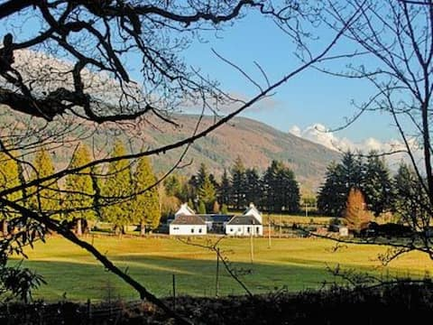 Farmhouse Cottage  Country Estate near Holy Loch