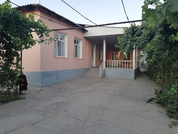 Big house with AMAZING GARDEN))