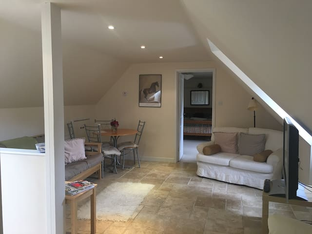 Spacious Annex  flexible accommodation in Petworth