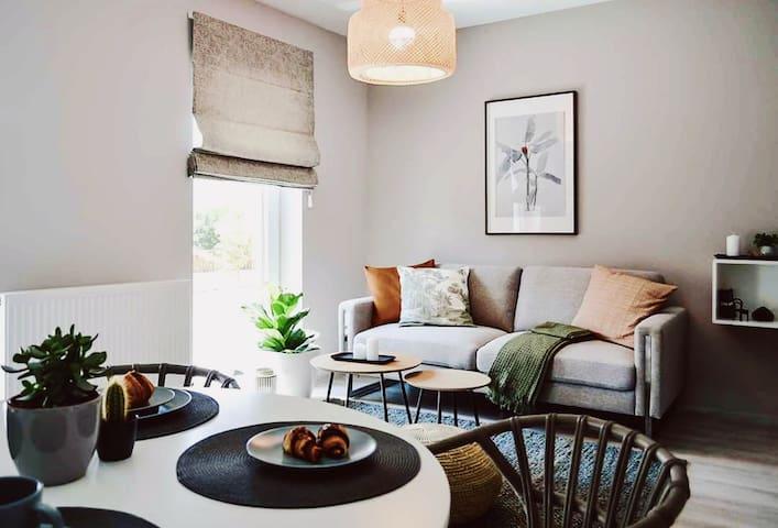 White Tulip Villa - Tropical Apartment