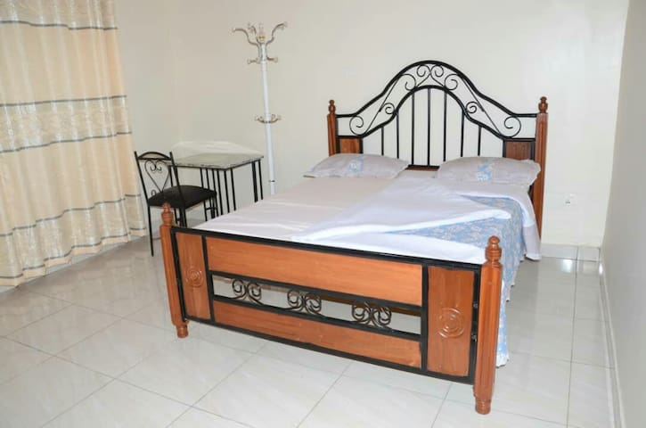 Kisimenti King Rooms Near Convention&RDB Nce Price