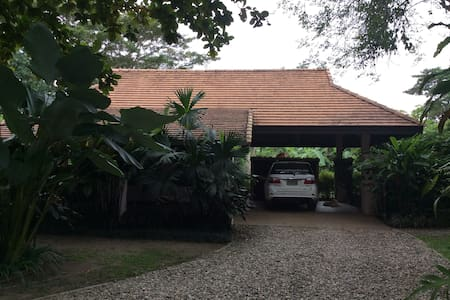 Exclusive garden flat in Mae Rim, Chiang Mai - Penzion (B&B)