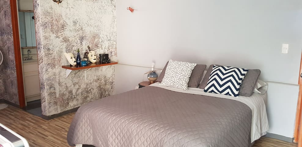 Beautiful room w/private terrace - welcome friend
