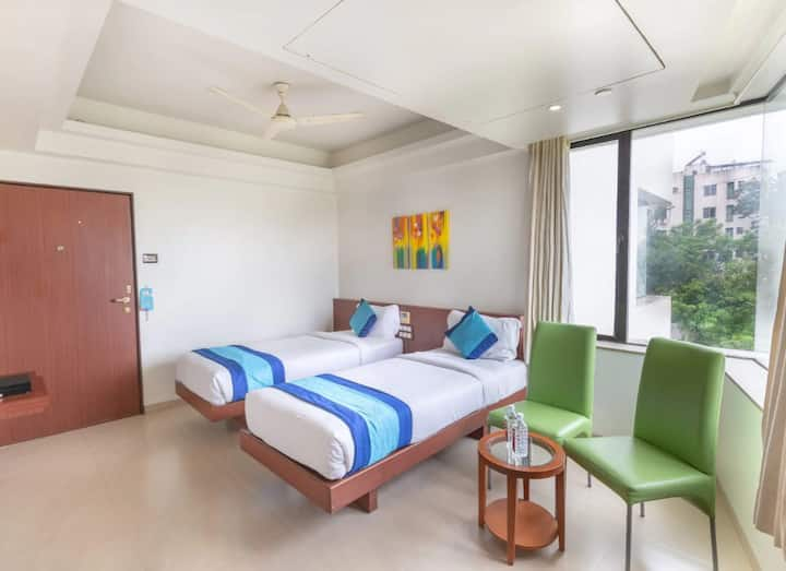 Deluxe twin room @baner Pune.