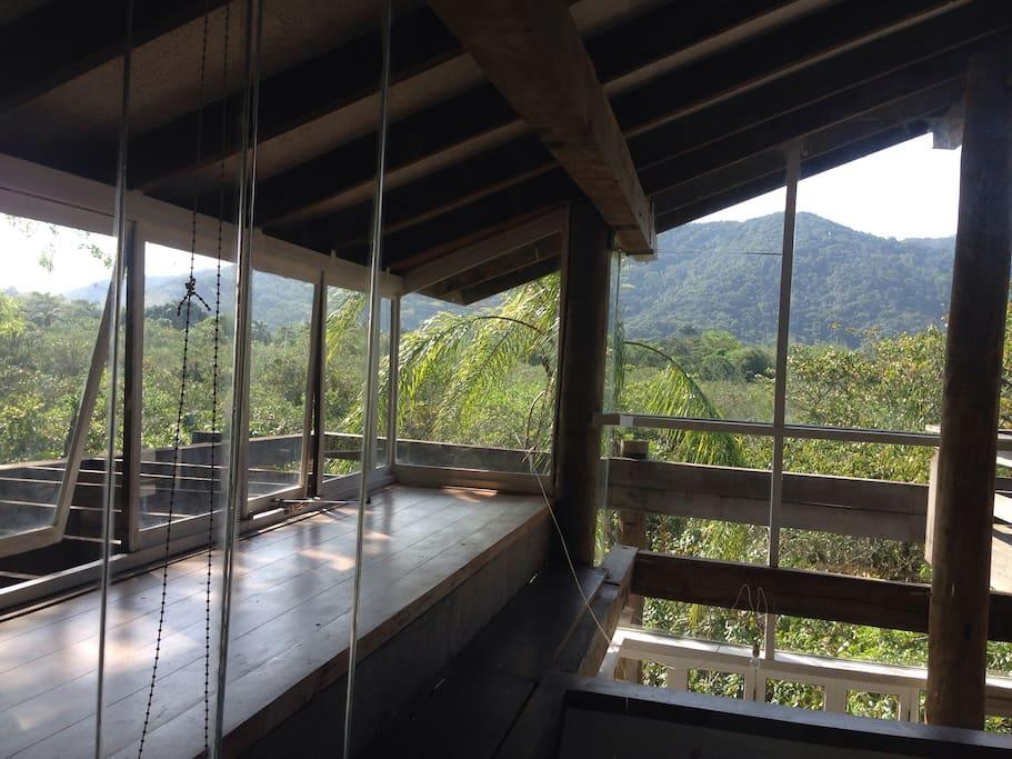 vista de dentro da casa