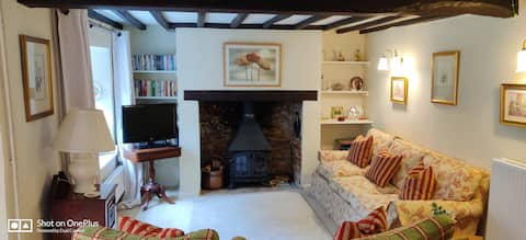 Charming 18th c Cotswolds Cottage