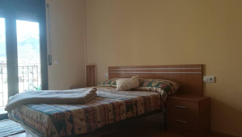 Habitación planta baja en Sant Llorenç de Morunys