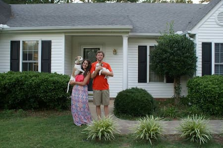 Two Miles From Death Valley - Clemson - Haus