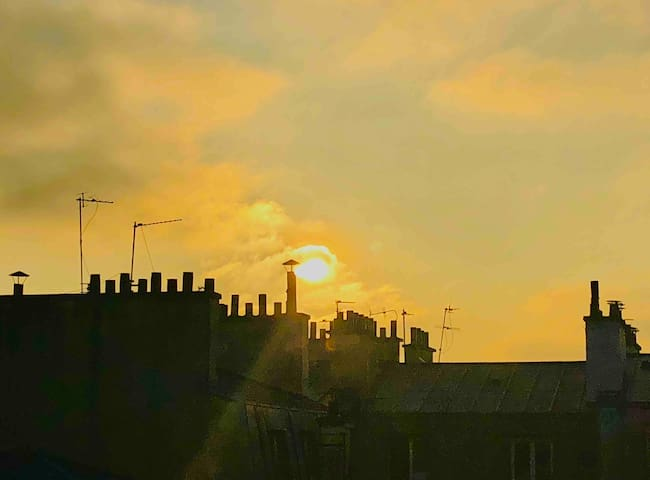 OBERKAMPF area, amazing sunset on Paris roofs