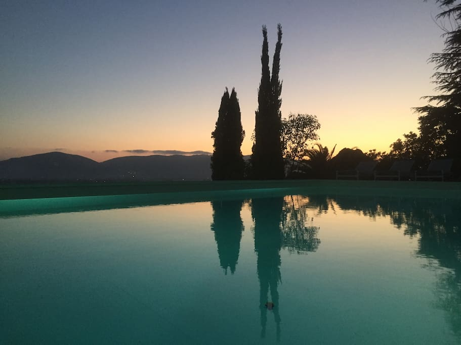 Collina del Sole with Infinity pool 5x10 at sunset