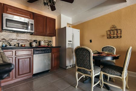 CHARMING DOLLHOUSE FOR UP TO 4 PEOPLE. - Palm Beach Oeste - Casa