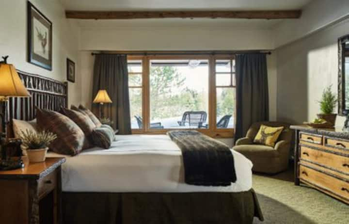 WOW! Leaf Peepers-WHITEFACE LODGE Superior Suite
