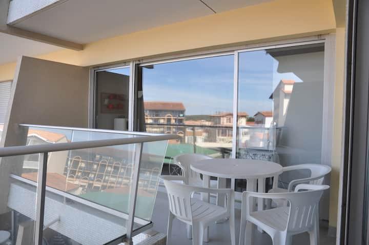 Appartement dans résidence en front de mer dans zone animée - 286547