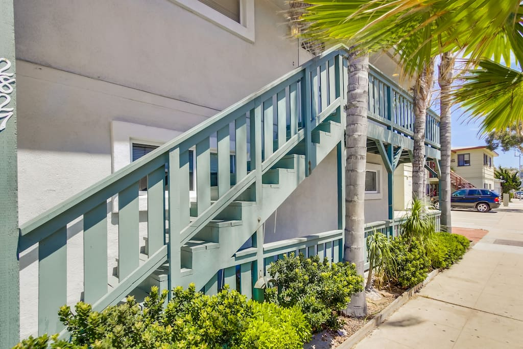 4 Bedroom Steps From The Beach Apartments For Rent In