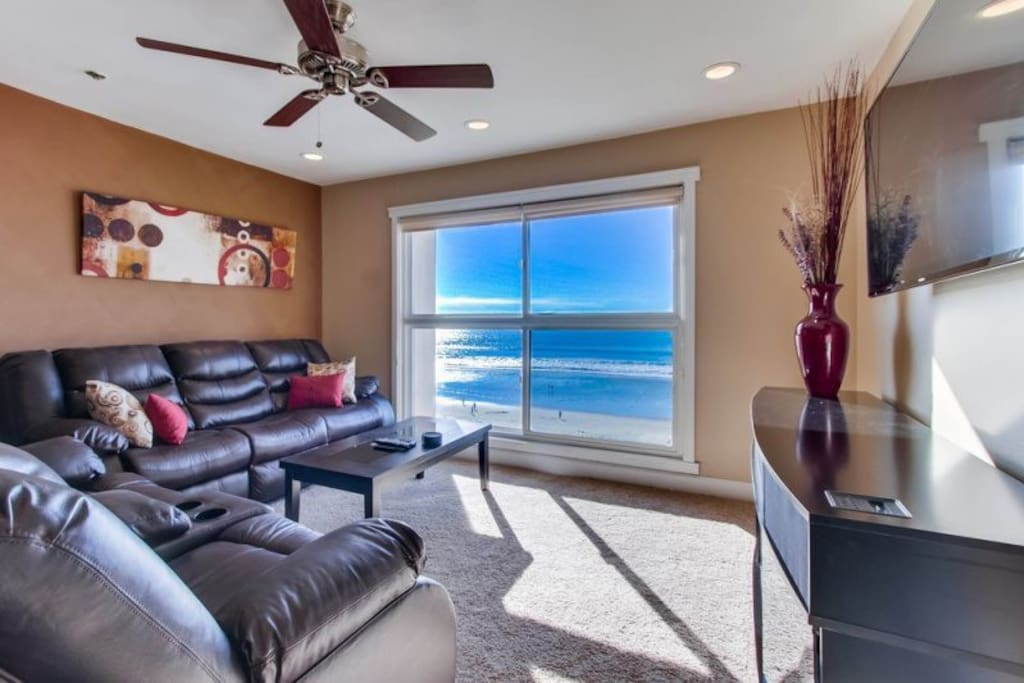 Living room with a gorgeous view of the Pacific Ocean