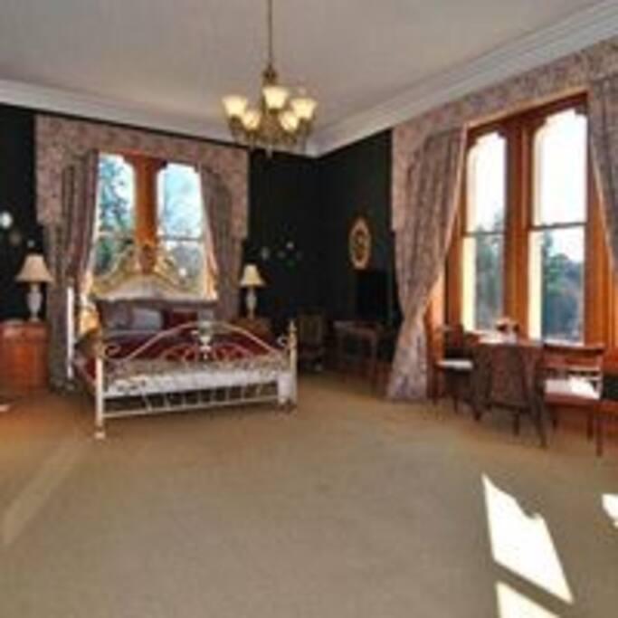 large bedrooms  with en-suite