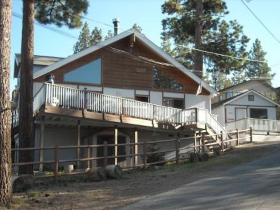 Big bear lake cabin sleeps 16 cabins for rent in big for Big bear cabins california
