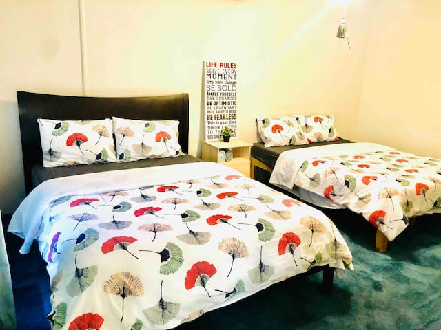 Spacious and bright double room (Room 4)
