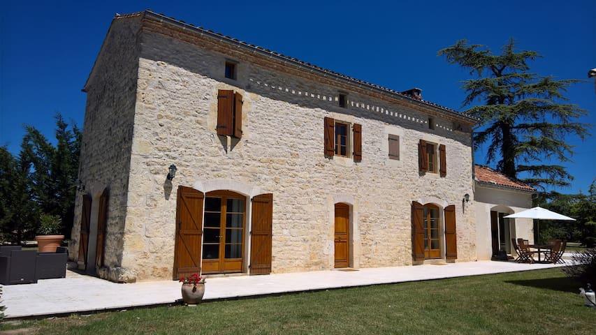 Magnifique maison en pierre - Livers-Cazelles - Hus