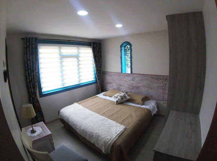 PRIVATE ROOM IN LA CASA AZUL
