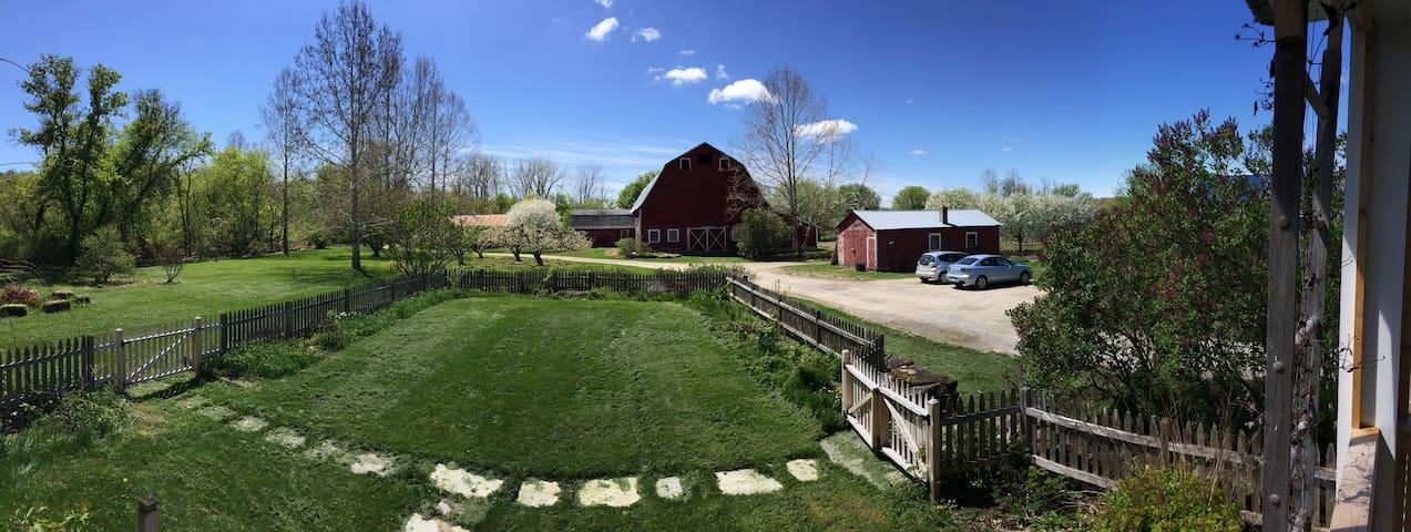 Farm Stay near Middlebury (room 2)