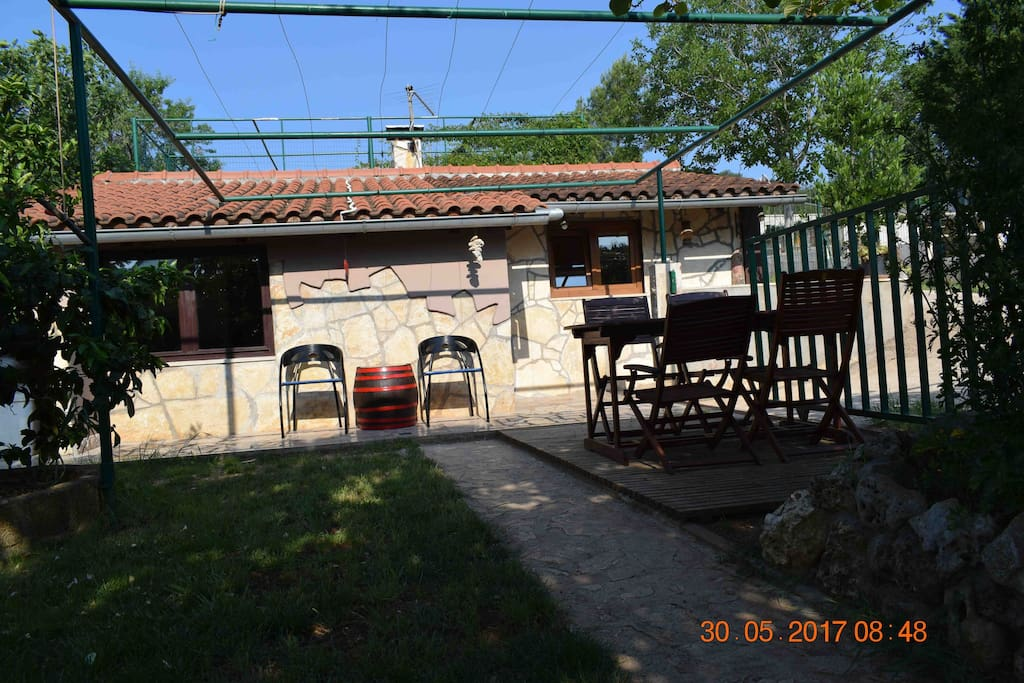 House rabota nice garden barbecue free bicycles - Le barbecue nice ...