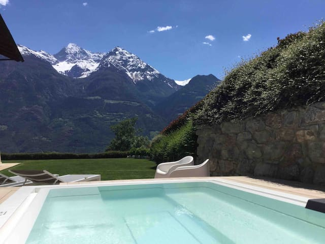 APARTMENT, PRIVATE SAUNA AND RELAX 3 KM FROM AOSTA