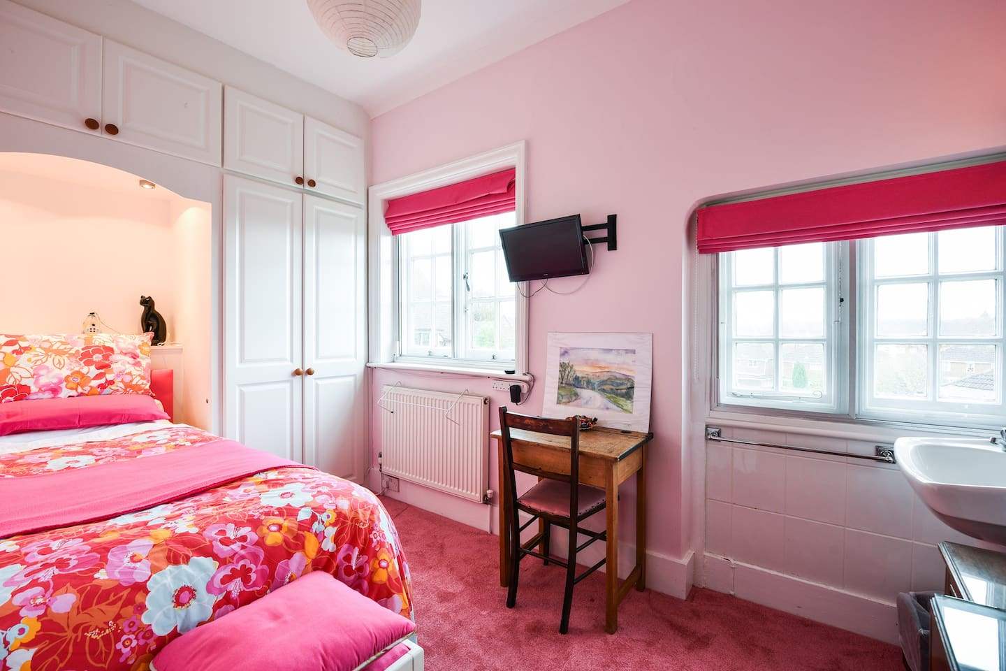 The Single Room very compact and ideal for the single traveller.