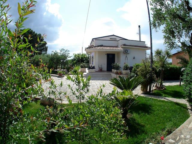 Villa Maria (Short Lets) - Città Metropolitana di Bari - บ้าน